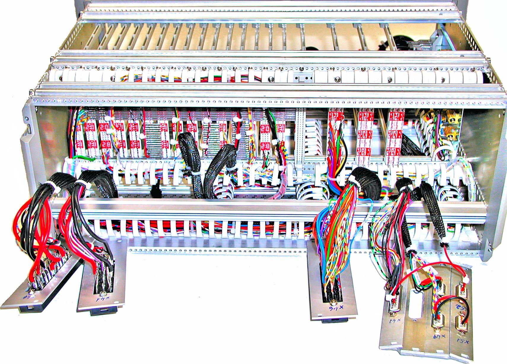 Verdrahten von elektronische Geräte Baugruppen & Montage